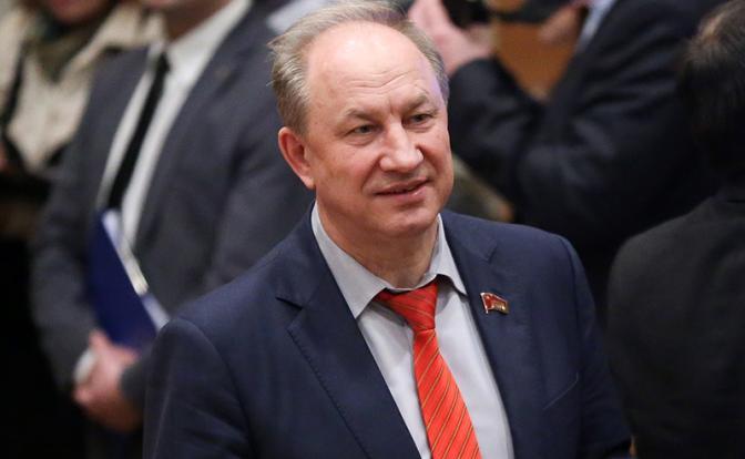 «Деньги — народу, врачам — защиту, олигархов — в тюрьму»: Валерий Рашкин советует Путину поторопиться