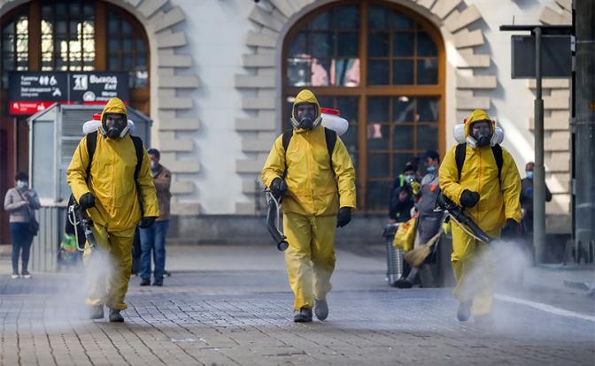 «Нам все врут!»: Россияне не верят в угрозу коронавируса, потому что не верят власти