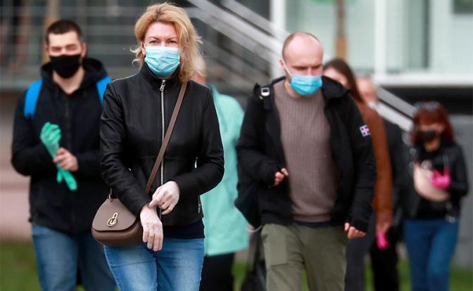 Коронавирус: Поздно дошло, что пережить эпидемию и не убить экономику было можно