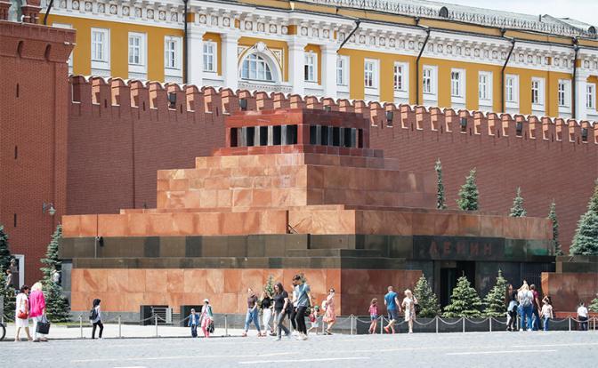 Зачем Кремлю понадобился Ленин