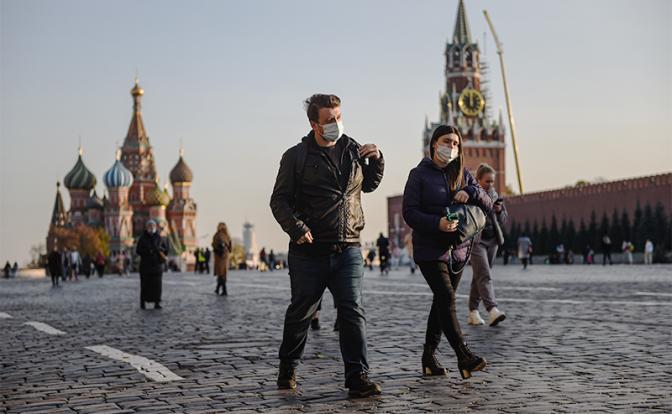 Неужели Россия не справится с коронавирусом до мая 2021 года