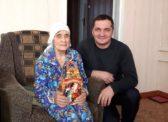 Александр Нараевский поздравил с новогодними праздниками старейшую жительницу с.Алексашкино
