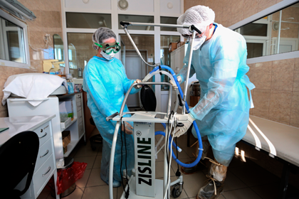 Академик РАН назвал вероятные сроки спада эпидемии коронавируса
