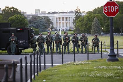 Трампа спрятали в подземном бункере во время протестов у Белого дома