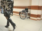 Омские чиновники попытались выгнать на улицу инвалида с детьми
