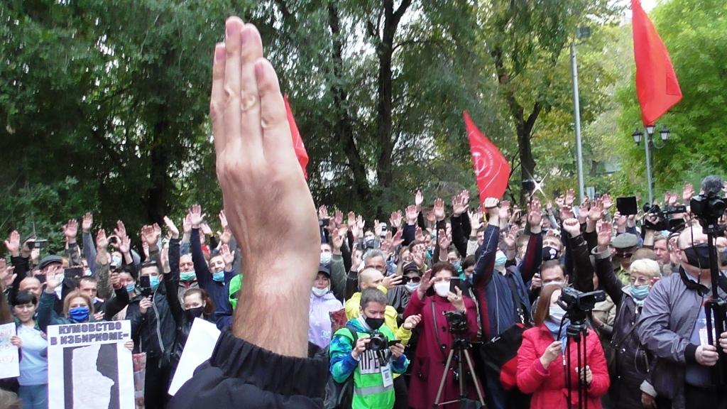 В Саратове прошла встреча депутатов-коммунистов облдумы с избирателями