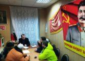 На приеме у депутата-коммуниста Владимира Есипова