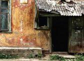 Аварийное жилье: 42 новых дома для переселенцев в Саратовской области – плохого качества