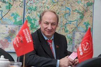 Саратовские коммунисты поздравляют с Днем рождения В.Ф. Рашкина